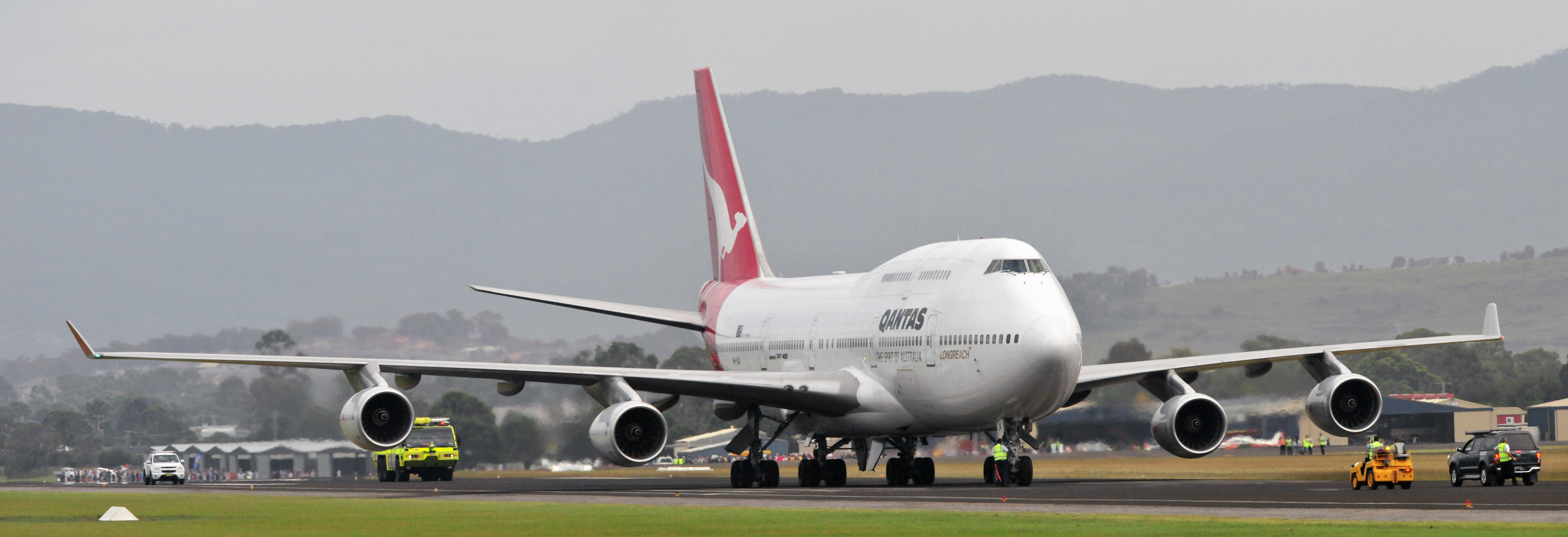 John travolta 747